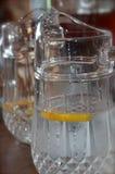 Klart citronvatten Royaltyfri Bild