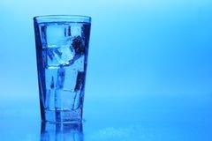 klart crystal isvatten Fotografering för Bildbyråer