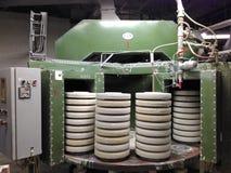 KLASHTERETS-NAD-OGRZHI, REPÚBLICA CHECA - 12 DE JANEIRO DE 2018: instrumento com os moldes para ruchers de moldação da argila par Fotografia de Stock