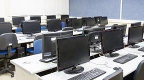 Klaslokaalcomputers Stock Foto's