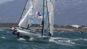 420 klasowy żeglowanie podczas regatta w palmie de Mallorca szeroki obraz stock