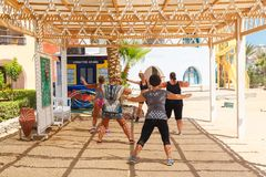 Klass фитнеса на пляже стоковые изображения