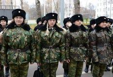 Klassen in boor in de kadetkorpsen van de politie Stock Foto