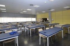 Klassenuniversität mit medizinischen Geräten Stockfotos