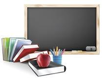 Klassenzimmer mit Tafel meldet Federn und Apple an Stockbild
