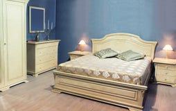 Klassiek bed royalty-vrije stock foto