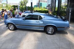 Klassiek blauw Ford Mustang Mach 1 1969 Stock Foto