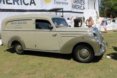 Klassiek het nutsvoertuig van Mercedes Royalty-vrije Stock Foto's