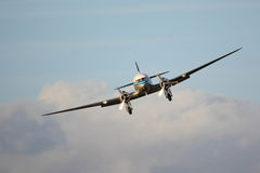 Klassiek lijnvliegtuig vooraanzicht Royalty-vrije Stock Fotografie