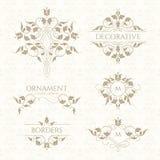 Klassiek ornament Reeks decoratieve grenzen en monogrammen royalty-vrije illustratie