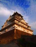 Klassiek Osaka Castle Under Sunset Stock Foto's