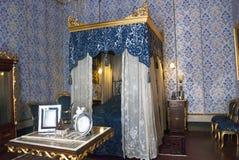 Klassiek slaapkamerbinnenland royalty-vrije stock fotografie