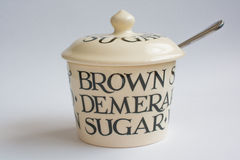Klassiek Sugar Bowl met Lepel Front View Stock Afbeelding