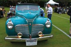 Klassieke Amerikaanse auto die worden bewonderd Stock Fotografie
