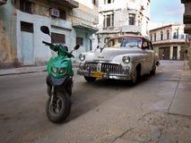Klassieke Amerikaanse auto in Oud Havana Stock Foto