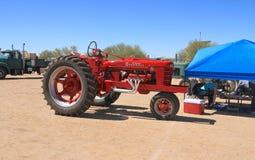 Klassieke Amerikaanse tractor: Farmall modelH (1944) royalty-vrije stock foto's