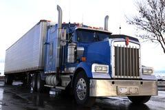Klassieke Amerikaanse vrachtwagen Royalty-vrije Stock Afbeeldingen