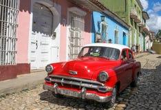 Klassieke auto in Cuba Stock Afbeeldingen