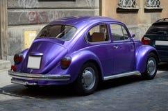 Klassieke auto op de straat Stock Foto