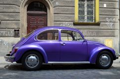 Klassieke auto op de straat Royalty-vrije Stock Foto