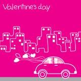 KLASSIEKE AUTObestuurder die een Stad van het ballonhart van Liefde Valentin houden Stock Fotografie