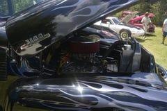 Klassieke bestelwagen Chevrolet 3100 zwarte kleur, originele motor stock fotografie