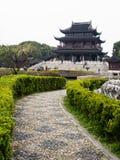 Klassieke Chinese tuin met paviljoen Stock Afbeeldingen