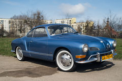 Klassieke Duitse auto Volkswagen Karmann Ghia Stock Foto's