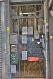 Klassieke foldding metaalpoort in de oude deur van Hong Kong Stock Afbeelding