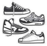Klassieke geplaatste tennisschoenen Royalty-vrije Stock Afbeeldingen