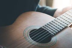 Klassieke gitaar en koorden, professioneel instrument royalty-vrije stock afbeelding