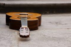 Klassieke gitaar ter plaatse Stock Afbeelding