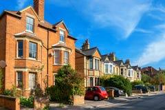 Klassieke huizen in Bergen Oxford, Engeland Stock Afbeeldingen