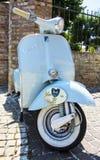 Klassieke Italiaanse autoped Royalty-vrije Stock Afbeeldingen