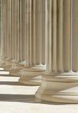 Klassieke kolommenachtergrond Stock Foto's