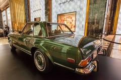 Klassieke Mercedes Benz in Koeweit Stock Afbeelding