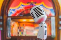 Klassieke microfoon Stock Afbeeldingen