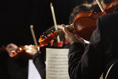 Klassieke muziek. Violisten in overleg Royalty-vrije Stock Foto's