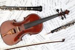 Klassieke muzikale instrumentennota's royalty-vrije stock afbeelding