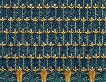 Klassieke overladen backround op kolom in Parijs royalty-vrije stock fotografie