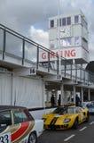 Klassieke raceauto bij de 74ste leden die praktijkdag ontmoeten bij Goodwood-motorkring royalty-vrije stock foto