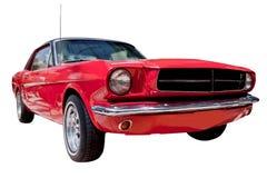 Klassieke rode Amerikaanse spierauto die op wit wordt geïsoleerdt Stock Afbeeldingen
