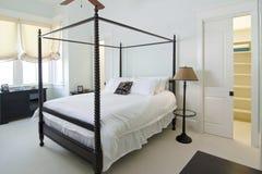 Klassieke slaapkamer royalty-vrije stock afbeelding