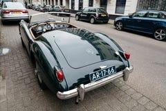 Klassieke sportwagen in de straat van Den Haag Stock Fotografie