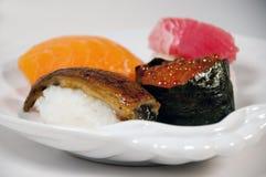 Klassieke stukken sushi Stock Afbeelding