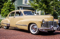 Klassieke tan Cadillac Royalty-vrije Stock Foto's