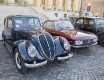 Klassieke uitstekende auto's Stock Afbeeldingen