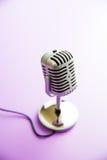 Klassieke uitstekende microfoon Stock Afbeelding