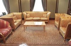 Klassieke woonkamer royalty-vrije stock afbeeldingen