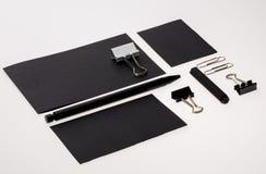 Klassieke zwart-witte kantoorbehoeftenreeks Royalty-vrije Stock Foto